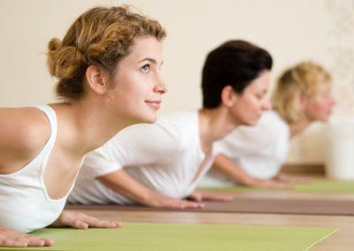 Gyakorló jógaóra TINI