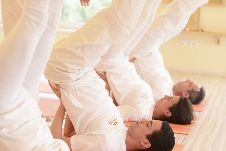 Gyakorló jógaóra 120 perc