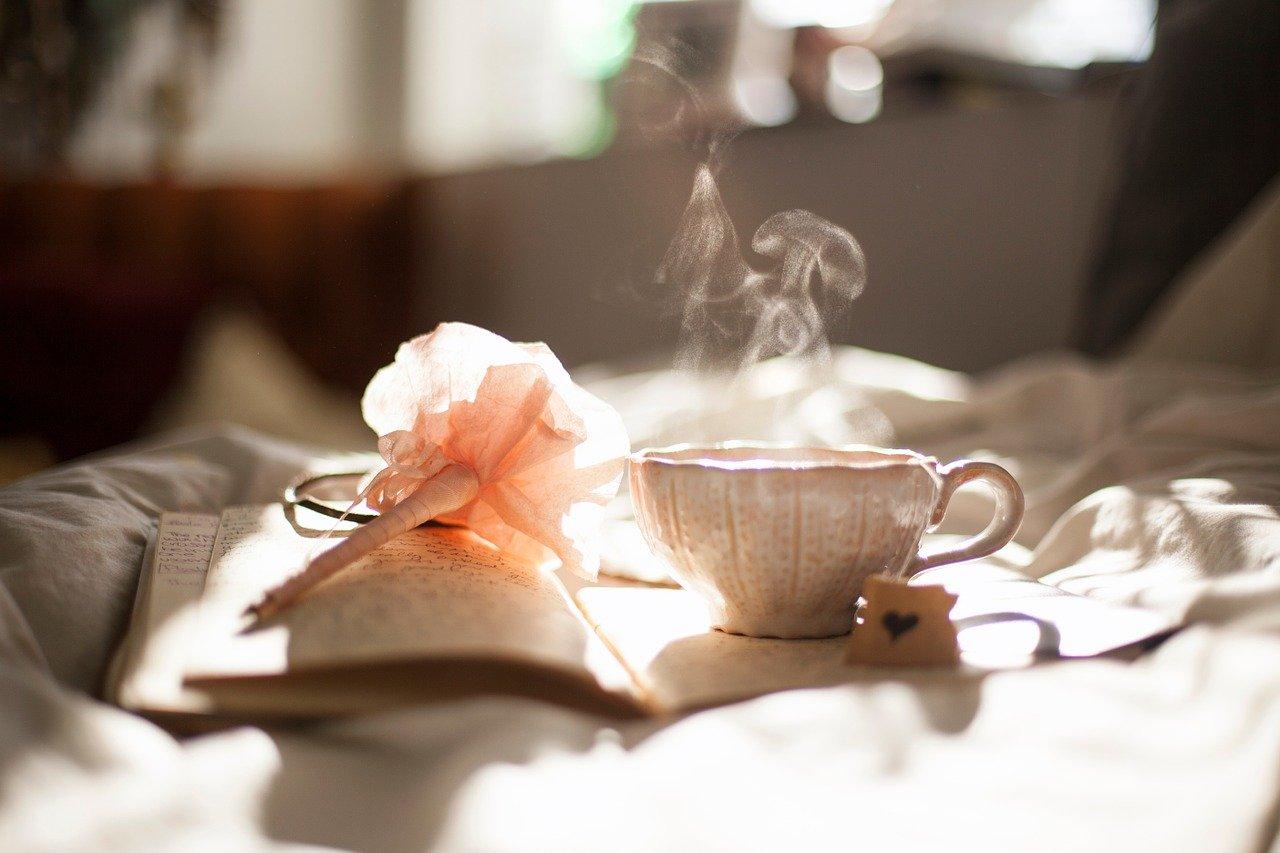 Tea-est Jógaközpontunk Vezetőivel