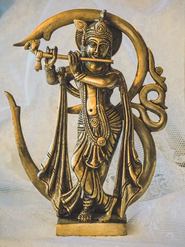 Krisna szobor AUM-mal