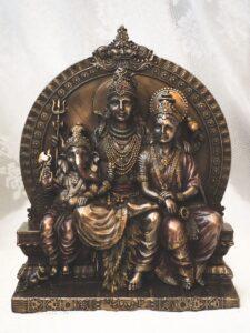 Siva család szobor
