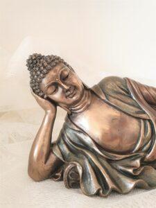 Pihenő Buddha szobor